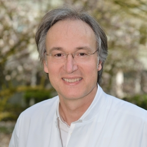 Neurologe Dr. med. Andreas Peikert